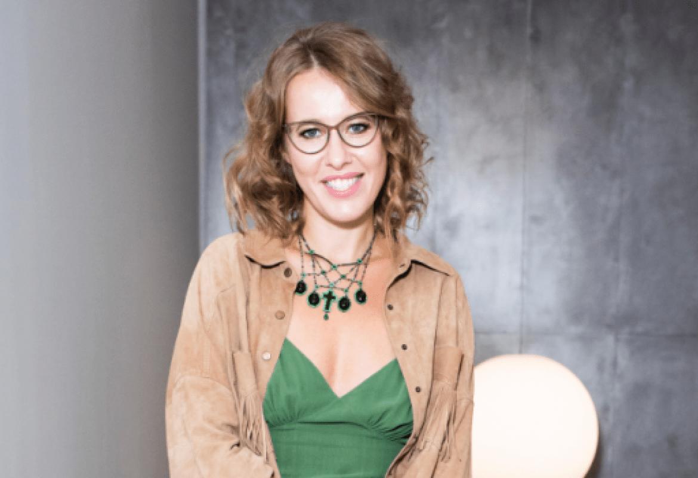 Ксения Собчак на открытии выставки Сальвадора Дали