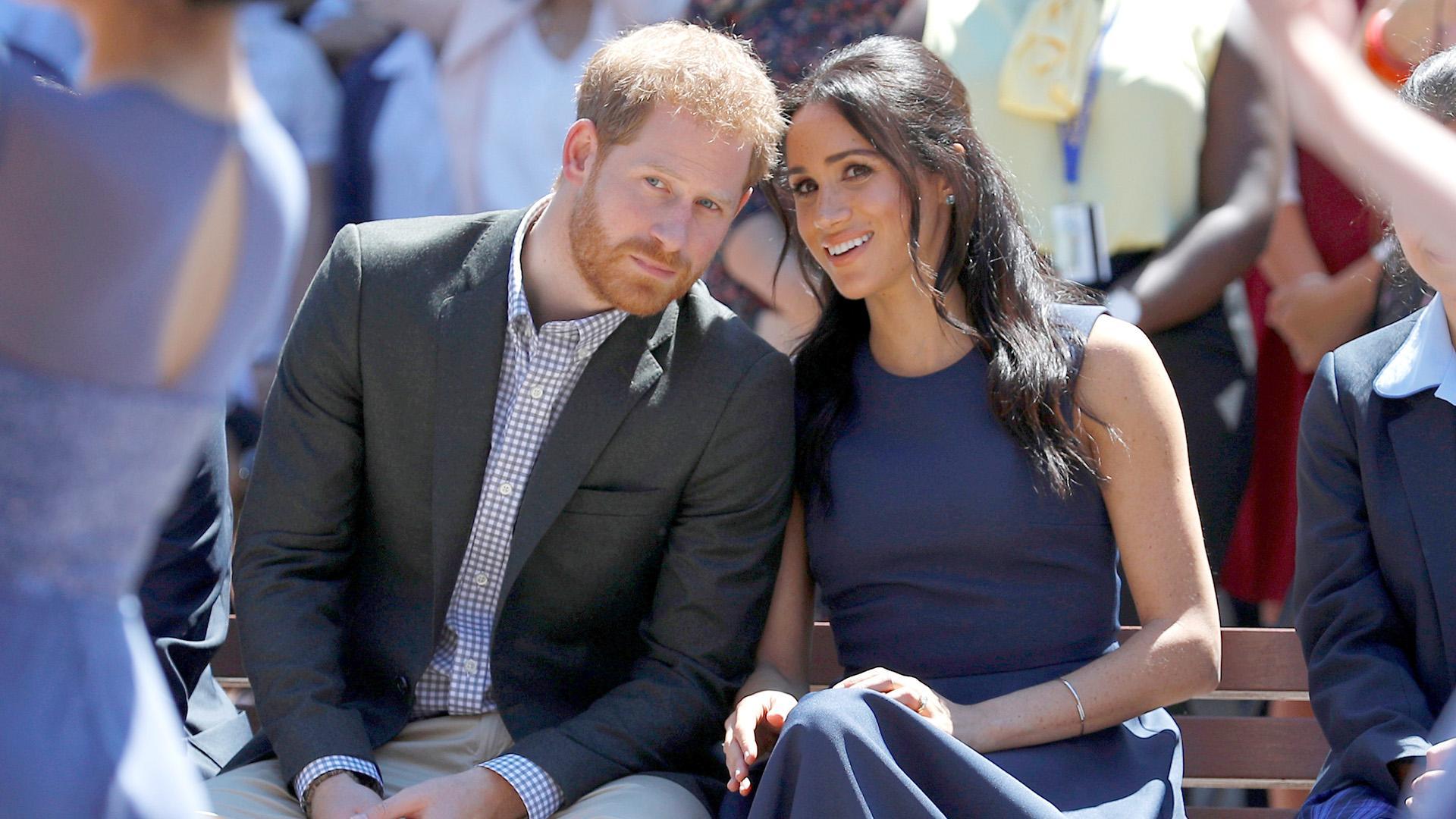 Стали известны первые подробности о книге Меган Маркл и принца Гарри про королевскую семью