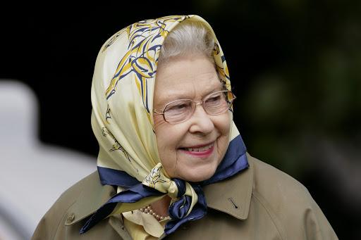 Личный стилист Елизаветы II рассказала о гардеробе королевы