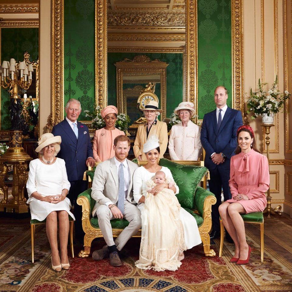 Как члены королевской семьи поздравили сына герцогов Сассекских с днем рождения