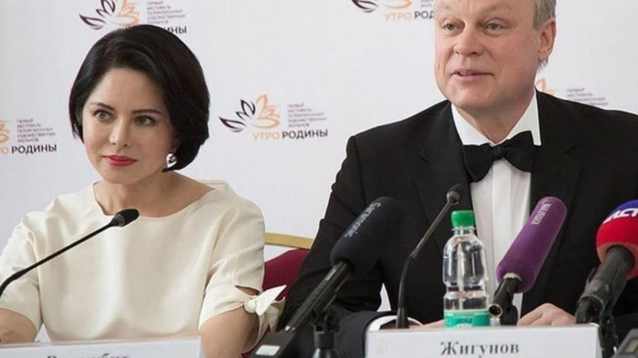 Стало известно, будни любовницы Сергея Жигунова на самоизоляции