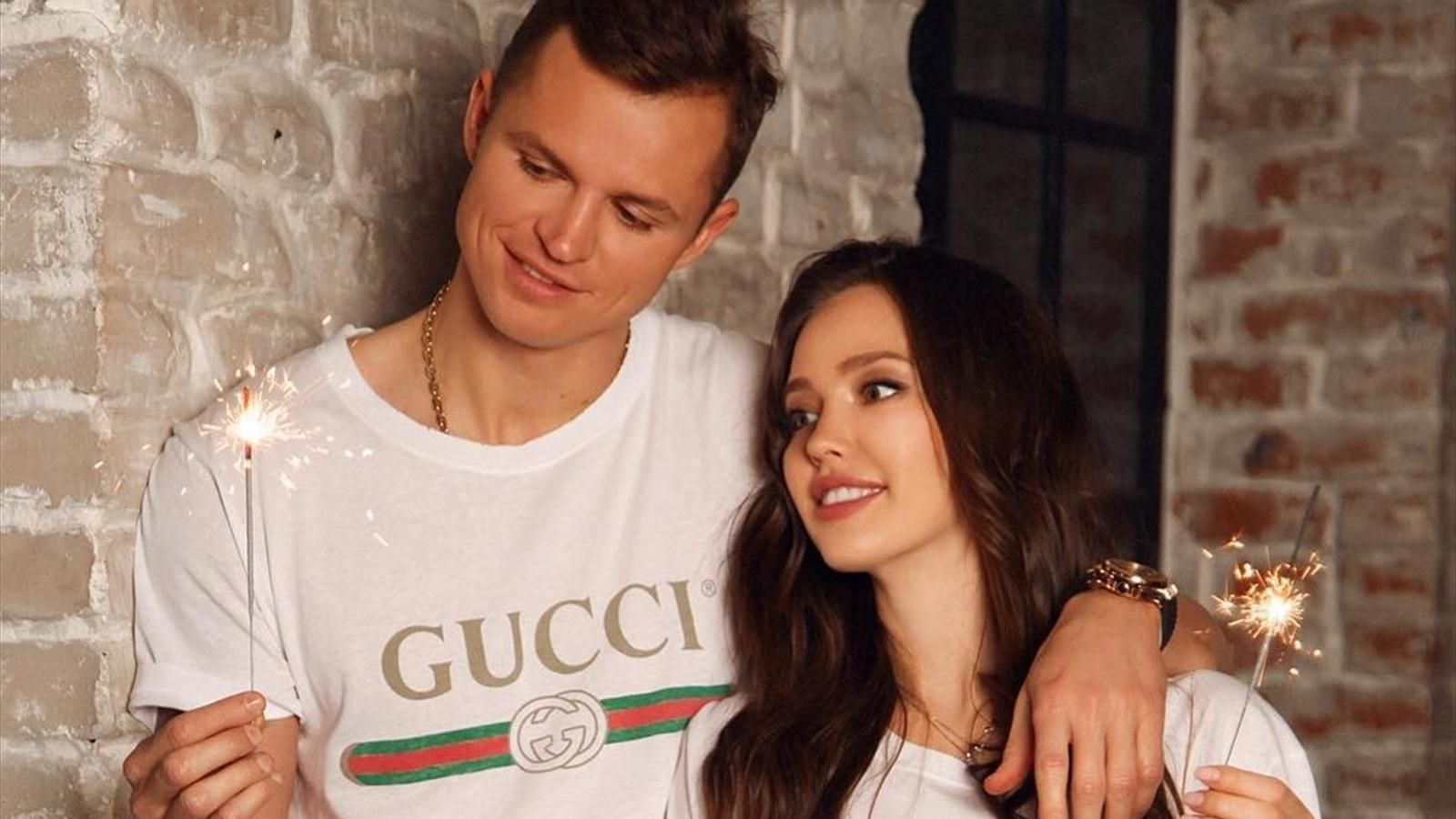 В сети появились первые фото новорожденной дочери Дмитрия Тарасова и Анастасии Костенко