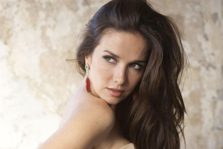 Поклонников Натальи Орейро восхитили обнаженные снимки 42-летней звезды