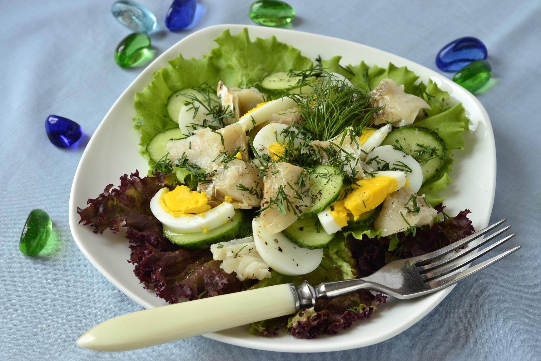 3 рецепта салатов с яйцом