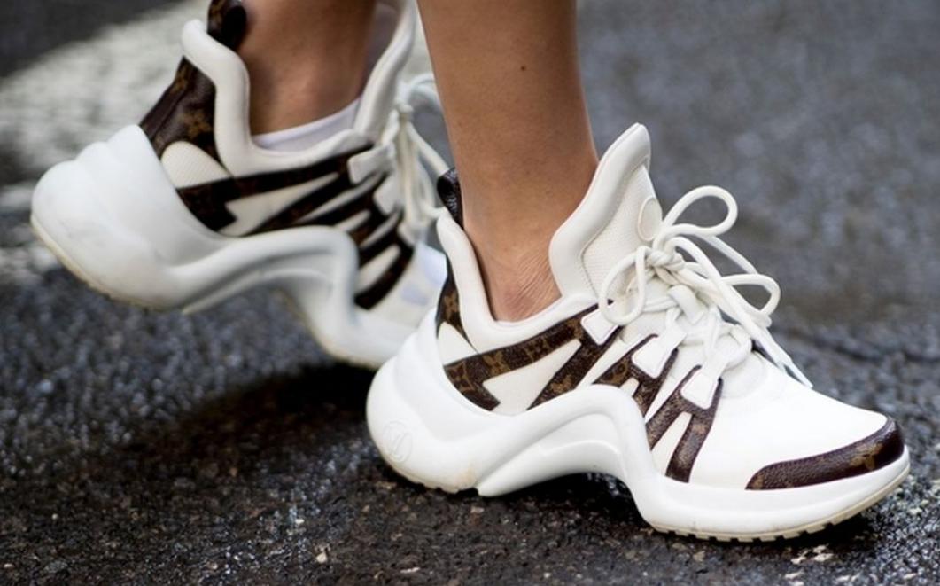 Белые кроссовки: несколько простых трюков для поддержания цвета