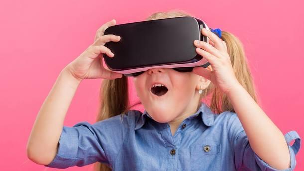 Детский офтальмолог рассказал о вреде VR-очков