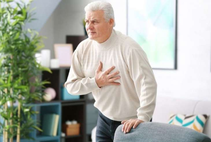 Назван ранний симптом развития инфаркта у пожилых людей