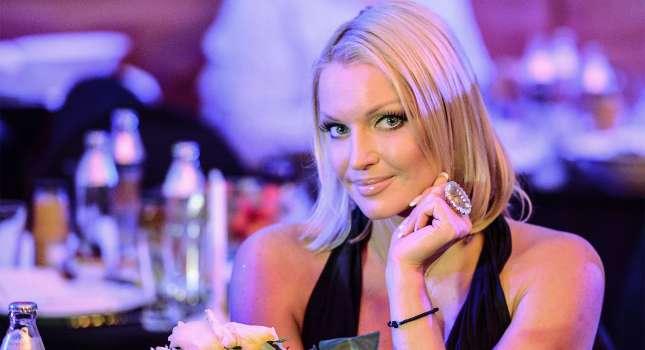 Анастасия Волочкова напугала пользователей своими рёбрами