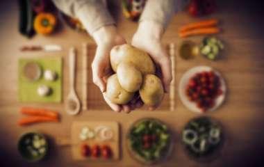 Опасная диета: что будет с телом, если неделю сидеть на картошке