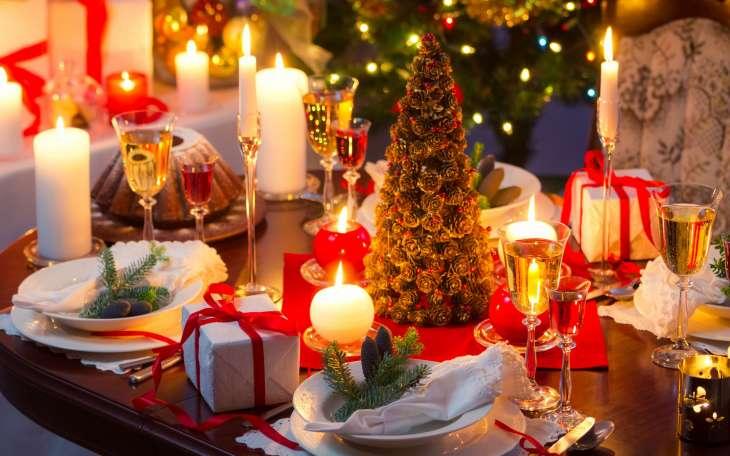 Пир во время чумы: российские звезды собрались на рождественский ужин