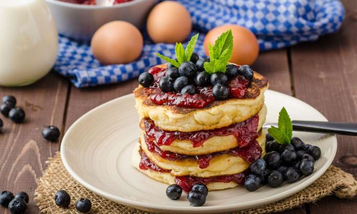 3 простых рецепта оладьев на завтрак