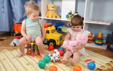 Выбираем игрушки для детей по возрасту