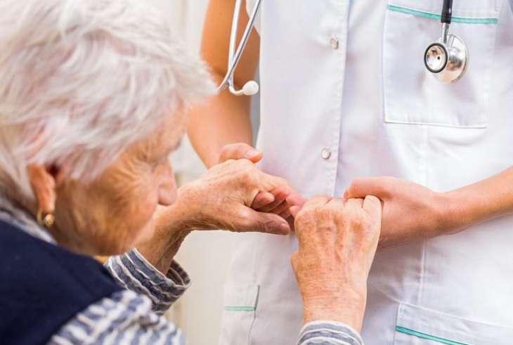Ученые назвали самые ранние признаки болезни Паркинсона