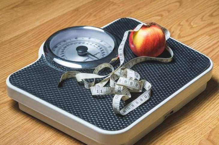 Ученые сообщили о влиянии лишнего веса на умственные способности