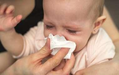 Пульмонолог рассказал о факторах риска развития детской аллергии
