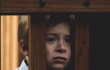 7 фраз, из-за которых дети считают родителей врагами
