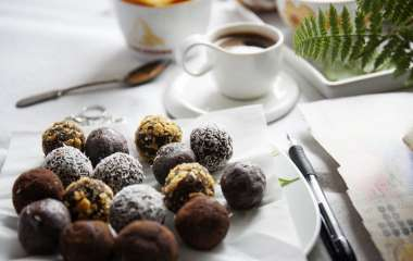 Полезно и сладко: как сделать диетические конфеты без сахара в домашних условиях
