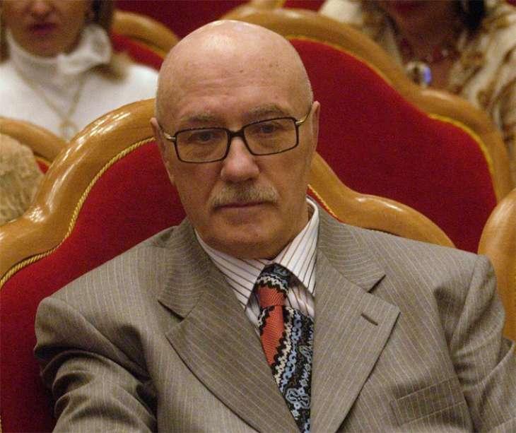 После смерти жены Леонид Куравлев замкнулся в себе и не выходит из дома