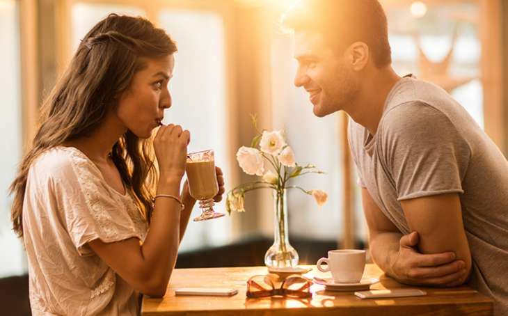 Как познакомиться с девушкой на улице: советы и приемы