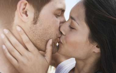 Значение поцелуев в разные части тела: как расшифровать поцелуй мужчины