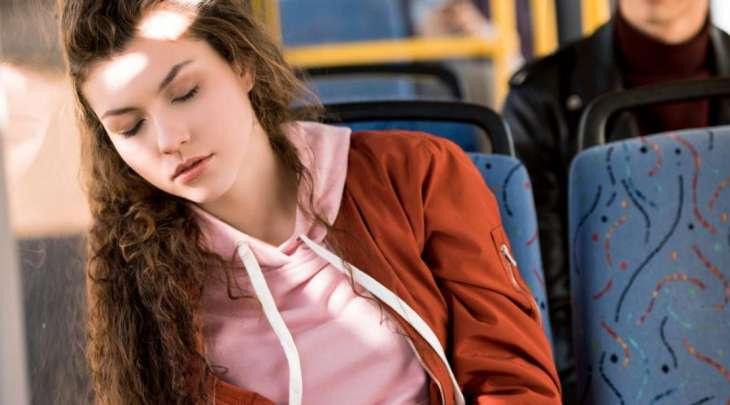 Врачи оценили полезность сна в транспорте