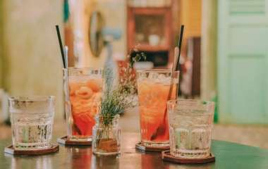 ВОЗ дала рекомендации о том, каких напитков лучше избегать в жару