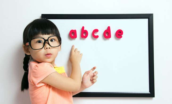 С какого возраста и как учить ребенка иностранному языку