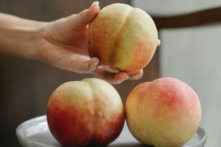 Много персиков: пять вкусных способов получить больше пользы от летних фруктов