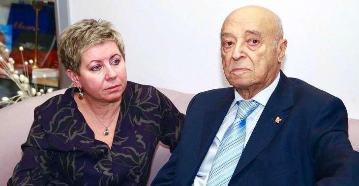 Больной коронавирусом вдове Владимира Этуша стало хуже