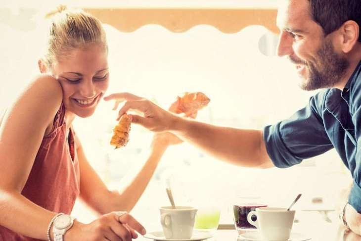 Как флиртовать с мужчиной, чтоб он захотел отношений