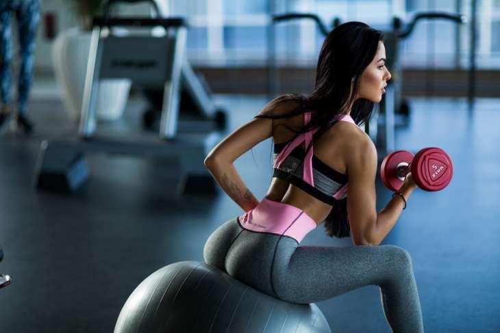 5 упражнений на каждый день для красивого и стройного тела