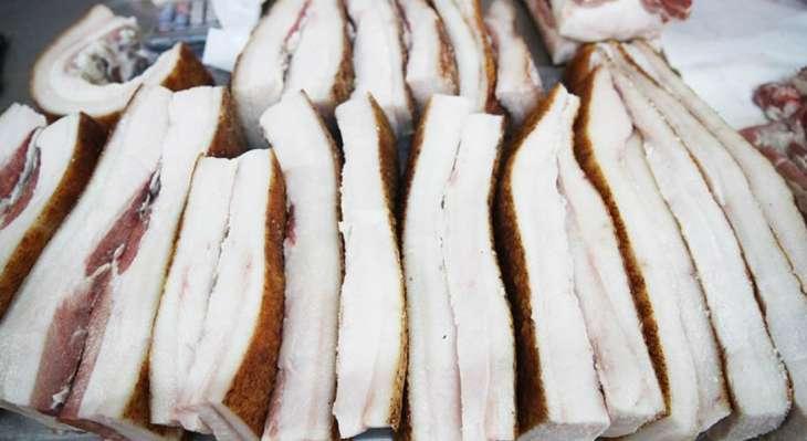 Врач рассказала об опасности блюд из сырого мяса