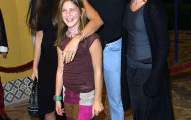 Семья в сборе: Деми Мур и Брюс Уиллис поздравили дочь с 30-летием