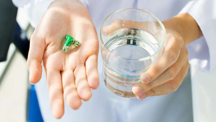 Нарколог рассказал об опасности приема таблеток после алкоголя