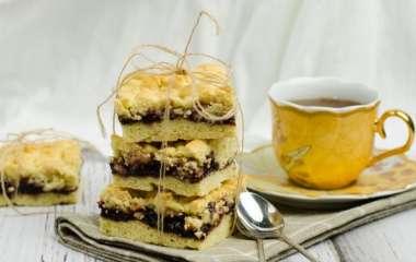 Просто и вкусно: как приготовить тертый пирог к чаю