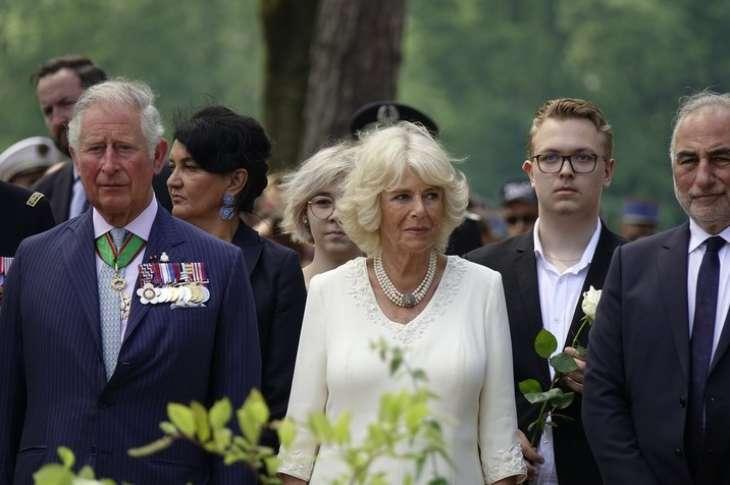 Не захотел помочь: эксперт пролил свет на отношения Камиллы Паркер-Боулз и принца Эндрю