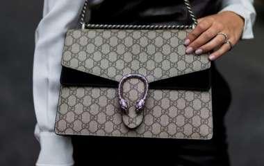 Виртуальную сумку Gucci продали дороже, чем настоящую