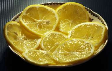 Врач предостерег от чрезмерного употребления лимона