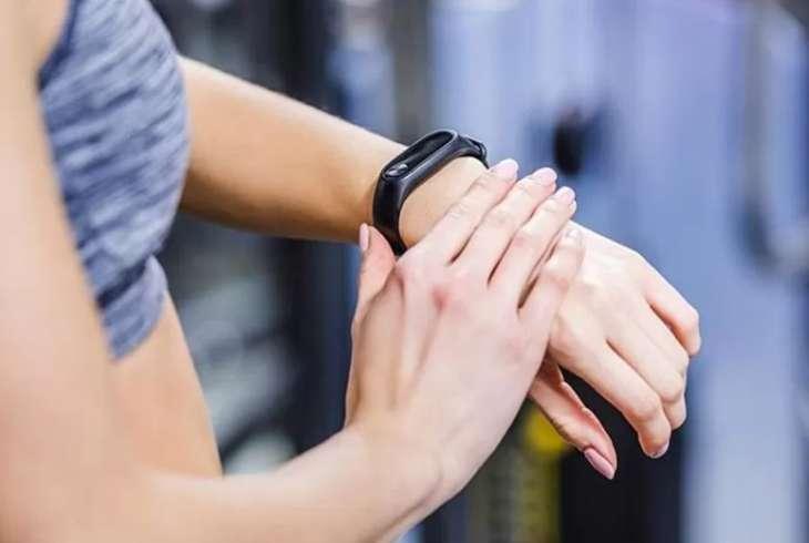Диетолог рассказала, о чем «врут» фитнес-браслеты