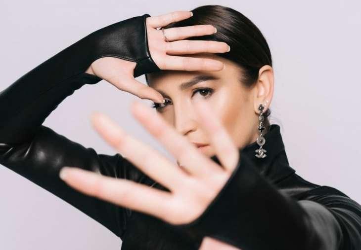 Ольга Бузова засветила обручальное кольцо