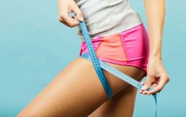 7 упражнений, которые помогут избавиться от «ушек» на бедрах