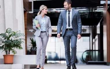 Психолог рассказала о влиянии внешности на размер зарплаты