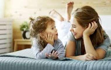 5 вещей, которые не должны делать при детях взрослые