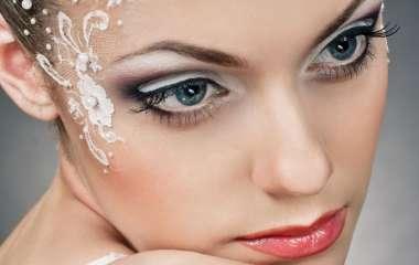 Варианты модного макияжа для встречи Нового года 2020