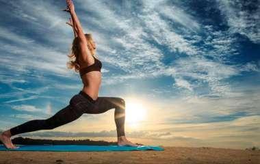 Простые элементы йоги против боли в спине