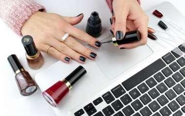 В какой покрасить ногти: выбираем оттенок по знаку Зодиака