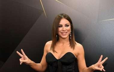 Ну, зачем же без трусов: поклонники Ани Лорак уверены, что певица сделала пластику фигуры и не понимают, почему надо было снимать видео без нижнего белья