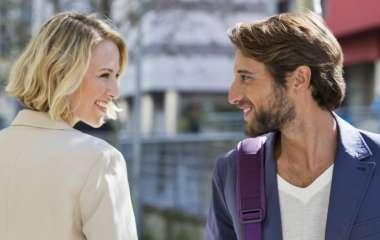 5 хитростей, которые помогут очаровать любого человека с первой встречи