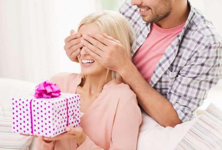 Правильная реакция на подарки от мужчин