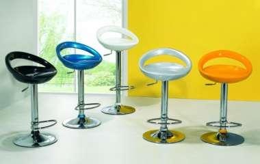 Барный стул в современном интерьере